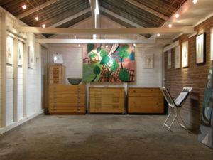 Kleine expositieschuur Chambre d'Amis in de Ooijpolder.