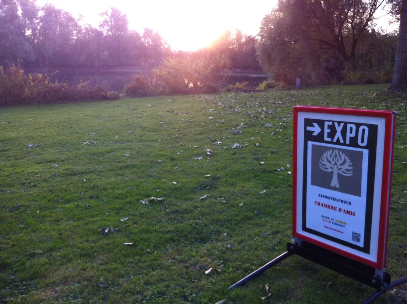 bord buiten = expositieschuur Chambre d'Amis in de Ooijpolder open